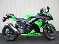 2013 Kawasaki Ninja 300 Only 100 Miles!! 1 Owner