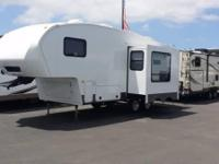 Nice 2013 Cougar by keystone 5th Wheel in Great