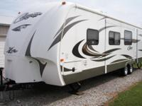2013 Keystone Cougar Exlite, Length: 31 ft., CD Player,