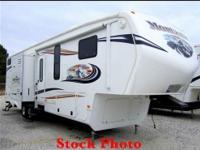 36 ft RV 5th wheel, Keystone Montana Mountaineer. Dual