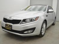 FUEL EFFICIENT 35 MPG Hwy/24 MPG City! EX trim. CARFAX