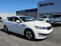 CARFAX 1-Owner, ONLY 21,855 Miles! FUEL EFFICIENT 40