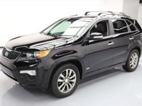 This awesome 2013 Kia Sorento 4x4 comes loaded with the