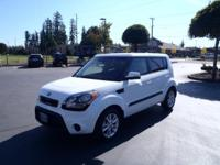 This 2013 Kia Soul is complete with top-features such