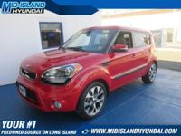This 2013 Kia Soul ! is Well Equipped with Sunroof,