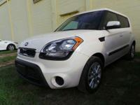 PREMIUM & KEY FEATURES ON THIS 2013 Kia Soul include,