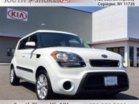 White 4D Hatchback 2013 Kia Soul FWD 6-Speed Automatic