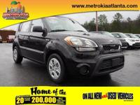 Treat yourself to this 2013 Kia Soul Base, which