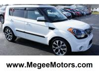 Exterior Color: clear white, Body: Crossover, Engine: