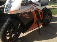 2013 KTM RC8R Super Sport race Bike. It comes with top