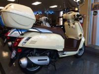 2013 Kymco Like 200i Almost new low miles and will