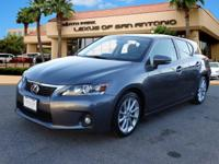 EPA 40 MPG Hwy/43 MPG City! CARFAX 1-Owner, L/