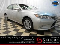 2013 Lexus ES 350 with ** NAVIGATION ** SUNROOF ** BACK