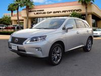 EPA 28 MPG Hwy/32 MPG City! CARFAX 1-Owner, L/
