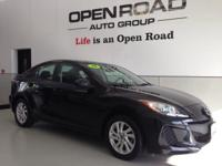 EPA 40 MPG Hwy/28 MPG City! Black Mica exterior and