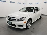 FUEL EFFICIENT 28 MPG Hwy/19 MPG City! CARFAX 1-Owner,