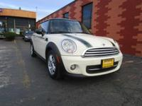 This MINI Cooper Hardtop has a dependable Gas I4