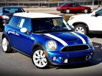 6spd! Turbo! This great-looking 2013 Mini Cooper S is