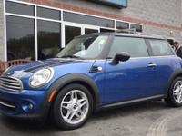 Cost features service warranty! GPS! Flawless 2013 MINI