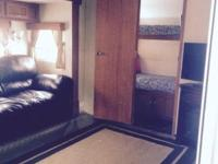 42ft travel trailer 3slideout 2bedroom fully loaded