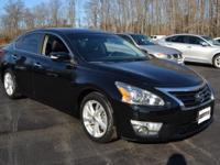 This 2013 Nissan Altima 2.5 features a 2.5L 4 CYLINDER