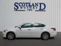 Exterior Color: white, Body: Sedan, Engine: 2.5L I4 16V