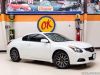 2013 Nissan Altima 2.5 S  Beautiful pearl white 2013