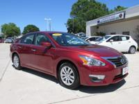 2013 Nissan Altima 2.5 S ** 38mpg sedan ** New Body