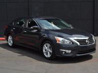 This 2013 Nissan Altima 4dr 4dr Sedan I4 2.5 SL