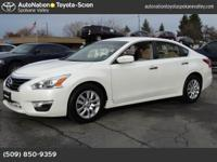 Exterior Color: pearl white, Body: Sedan, Engine: Gas