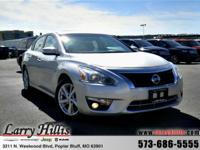 Climb into this terrific Altima and experience the kind