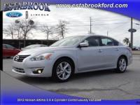 Extra Clean 2013 Nissan Altima 2.5 SL . This Altima SL