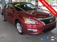 2013 Altima 2.5S ** ONLY 3,500 MILES!! ** 38 MPG!! **