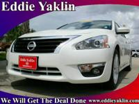 2013 Nissan Altima 4dr Car 2.5 SL Our Location is: