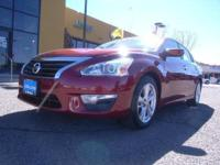 2013 Nissan Altima 4dr Car 2.5 SV Our Location is: