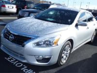 2013 Nissan Altima 4dr Car Our Location is: Fort Wayne