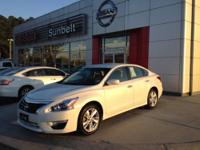 This 2013 Nissan Altima 4dr Sdn I4 2.5 SV is offered