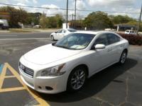 Exterior Color: white, Body: Sedan, Engine: 3.5L V6 24V