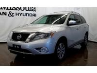 This 2013 Nissan Pathfinder has a clean CARFAX vehicle