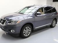 2013 Nissan Pathfinder with 3.5L V6 Engine,Leather