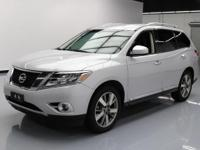This awesome 2013 Nissan Pathfinder comes loaded with