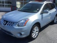 Carfax One Owner! Fuel efficient 2013 Nissan Rogue SL