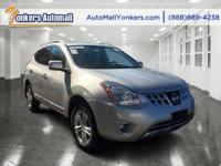 Sophisticated, smart, and stylish, this 2013 Nissan
