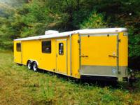 2013 Haulmark V-Nose, Length: 33ft, Exterior: Yellow,