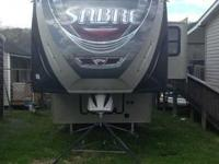 2013 Palomino Sabre 5th Wheel. Like new- Excellent