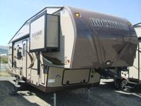 New 2013 Rockwood 8286WS bunk bed 5th wheel with 2