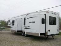 2013 Sierra RVs 366FL Beautiful Camper- Ready to Go.