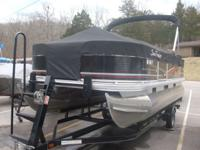 2013 SUNTRAKER 18 ft pontoon like new 40hp mercury 4