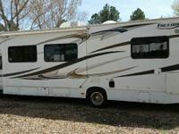 2013 Thor Freedom Elite Class C. Great condition- 51000