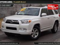 This 2013 Toyota 4Runner 4dr RWD 4dr V6 SR5 features a